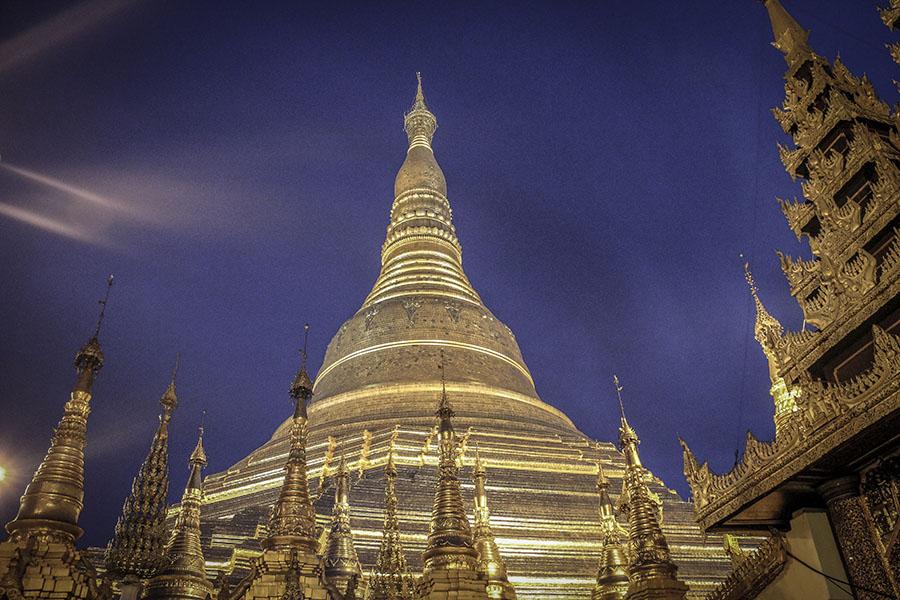 Shwedagon Pagoda 1 - Las puestas de sol de Myanmar