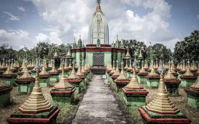 pagodas en bago 400x250 - Myanmar guia de viaje