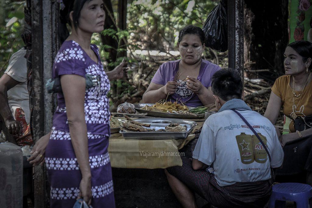 la comida de myanmar