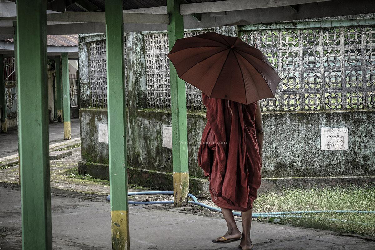 monje en myanmar - Qué visitar
