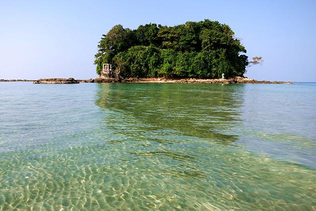 Lover Island Ngwe Saung Myanmar - Home