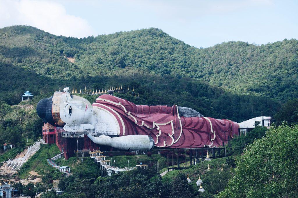 el buda tumbado mas grande del mundo 1024x683 - Mawlamyine: 9 imprescindibles en la antigua capital de Birmania